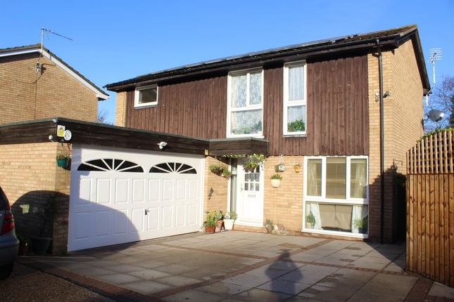 Thumbnail Detached house to rent in Farthing Drive, Letchworth Garden City