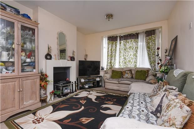 Thumbnail Terraced house for sale in Victoria Road, Mitcham, Surrey