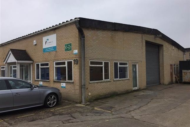 Thumbnail Warehouse to let in 19 Ferndown Business Centre, Cobham Road, Ferndown, Dorset