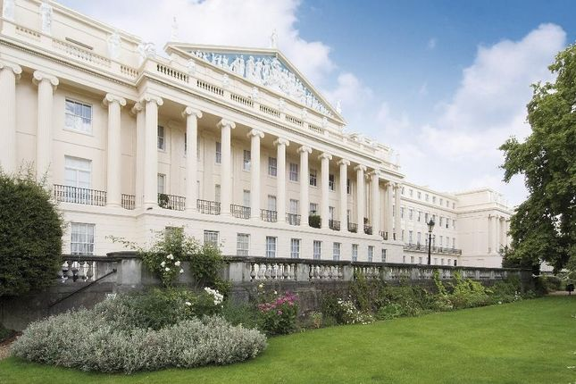 Thumbnail Flat to rent in Cumberland Terrace, London