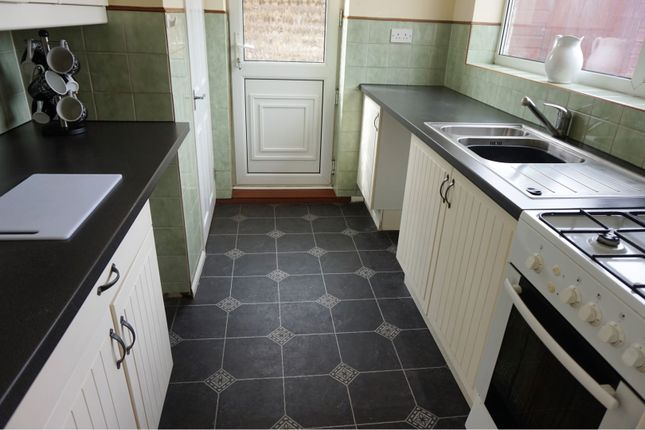 Kitchen of Oakwood Drive, Doncaster DN3