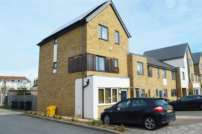 Thumbnail Property to rent in Salisbury Road, Dartford