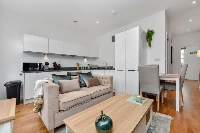 Thumbnail Flat to rent in Clarence Street, Staines-Upon-Thames