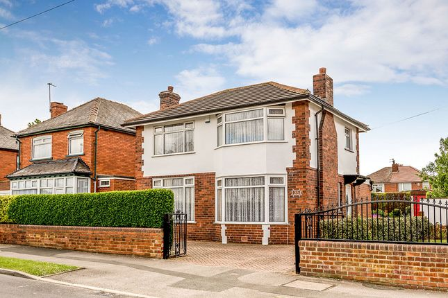 Thumbnail Detached house for sale in Lingwell Avenue, Leeds