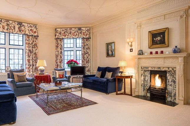 Thumbnail Property for sale in Wyndham House, Sloane Square, Knightsbridge, London