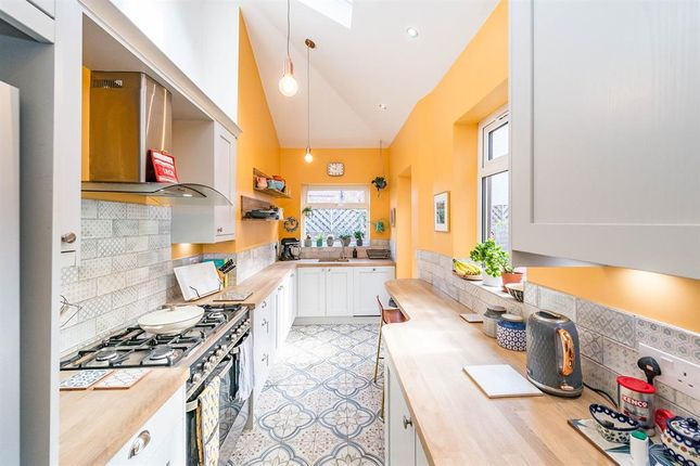 3 bed terraced house for sale in Guest Road, Sheffield S11