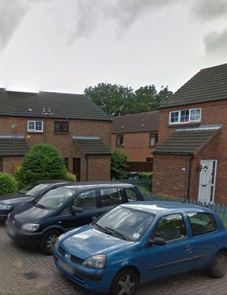 Thumbnail Terraced house to rent in Links Way, Luton