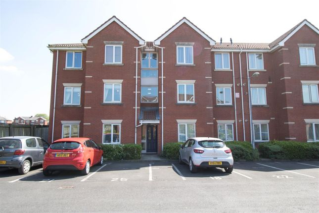 Thumbnail Flat to rent in Pear Tree Place, Farnworth, Bolton