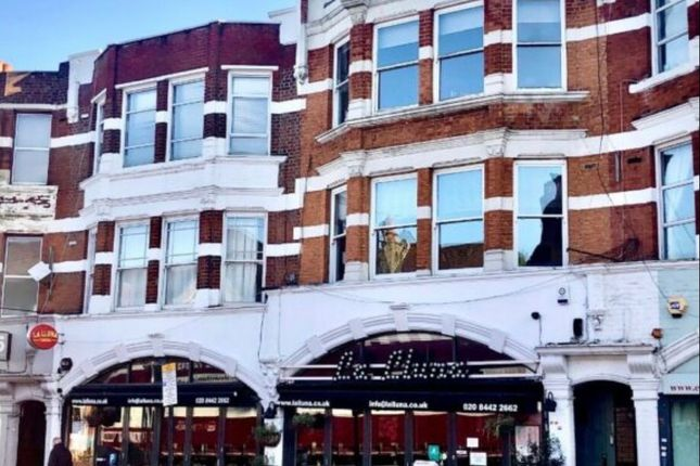 2 bed flat to rent in Muswell Hill Broadway, London N10