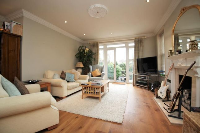 Thumbnail Flat to rent in Treetops, The Mount, Caversham, Reading, Berkshire