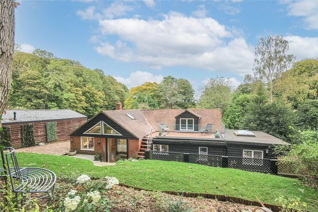 Thumbnail Bungalow for sale in Digswell Hill, Welwyn