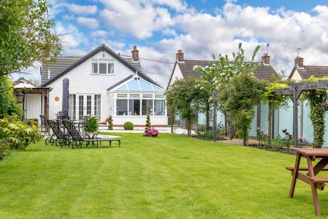 4 bed detached house for sale in Wendover Road, Weston Turville, Aylesbury