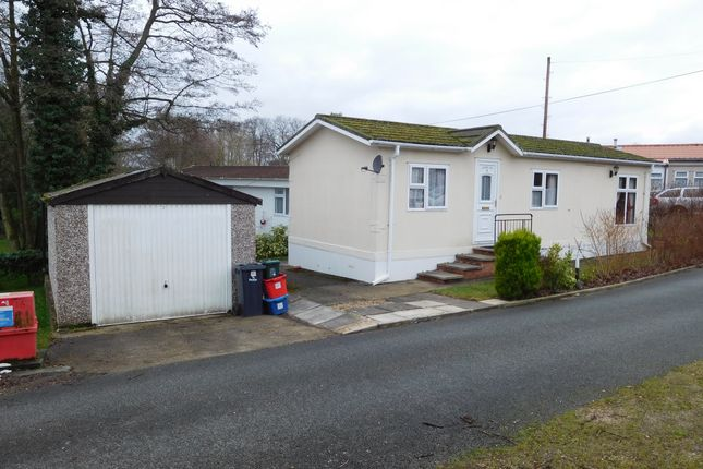 Thumbnail Mobile/park home for sale in Caernenon Park, Builth Wells