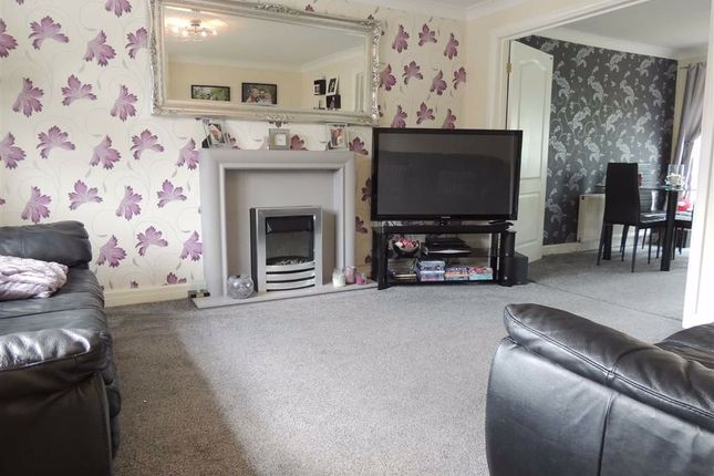 Lounge of Shearwater Road, Offerton, Stockport SK2