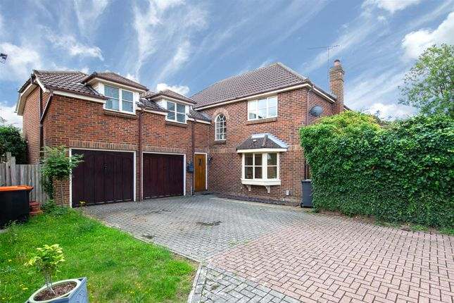 Thumbnail Detached house for sale in Woolpack Close, Dunstable, Bedfordshire