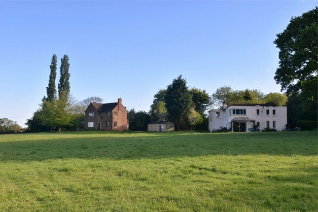 Thumbnail Detached house for sale in Russells Water, Henley-On-Thames
