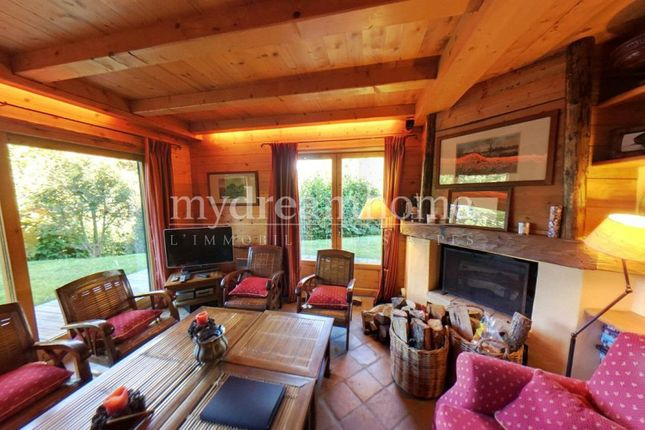 4 bed apartment for sale in Megève, 74120, France