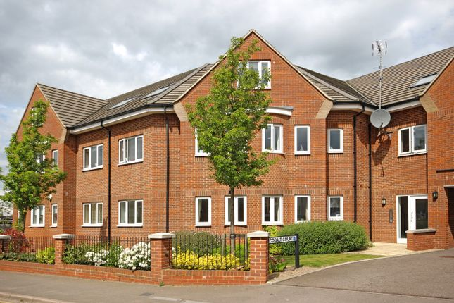Thumbnail Flat to rent in Hedley Road, St Albans