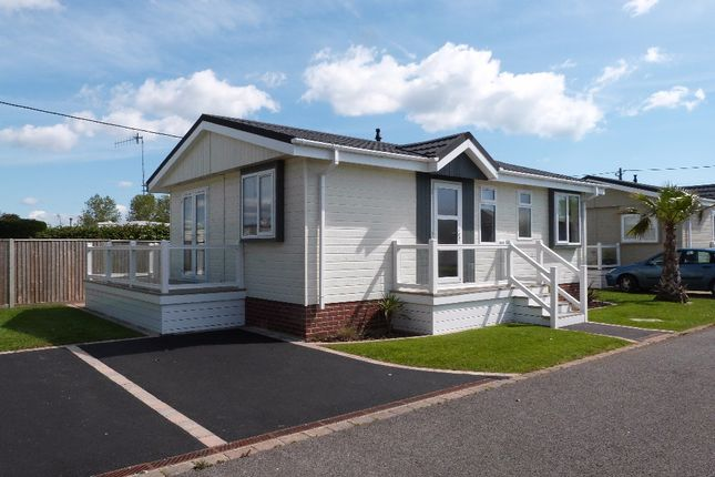 Thumbnail Lodge for sale in Warners Lane, Selsey, Chichester