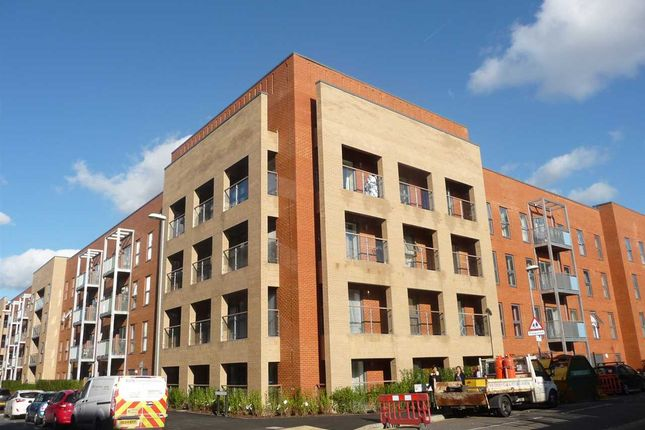 Thumbnail Flat to rent in Pennant House, Cross Street, Portsmouth