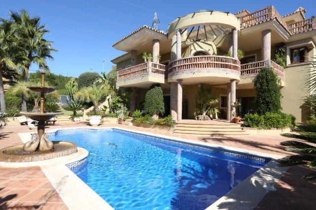 5 bed villa for sale in Spain, Málaga, Marbella, Hacienda Las Chapas