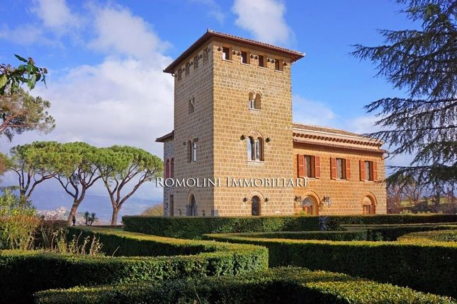 9 bed villa for sale in Orvieto, Umbria, Italy