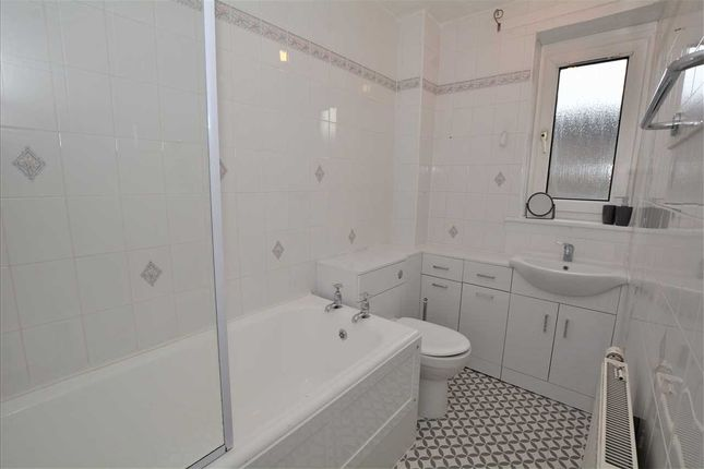 Bathroom of Ingleby Drive, Dennistoun, Glasgow G31
