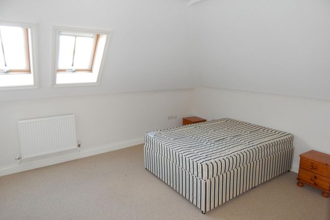 Bedroom Master of The Goffs, Eastbourne BN21