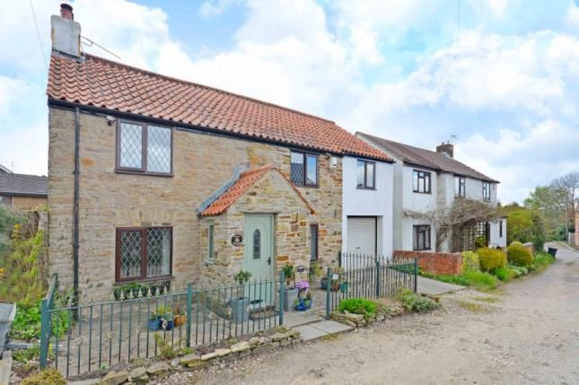 Thumbnail Cottage for sale in Upper Moor Street, Chesterfield, Derbyshire
