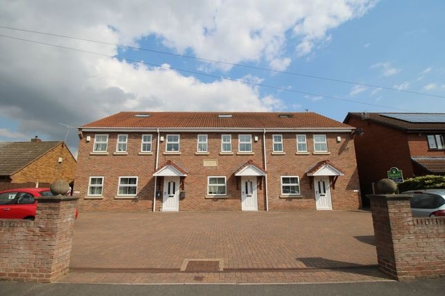 Thumbnail Flat to rent in Redbourne Road, Bentley, Doncaster