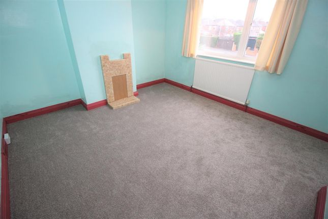Bed 1 (2) of Trowell Grove, Trowell, Nottingham NG9