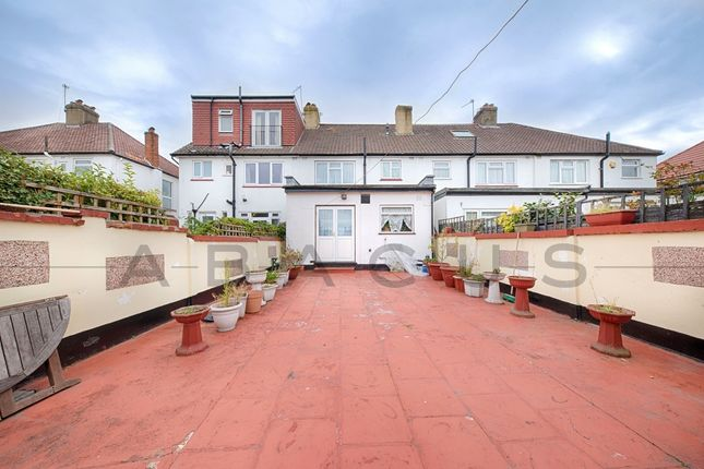 Thumbnail Terraced house for sale in Woodlane, Kingsbury
