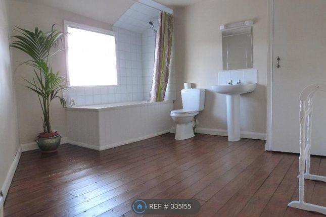 Thumbnail Maisonette to rent in Castle Road, Scarborough