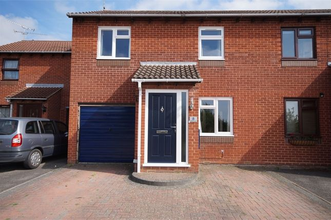 3 bed terraced house for sale in Bridport Close, Lower Earley, Reading, Berkshire