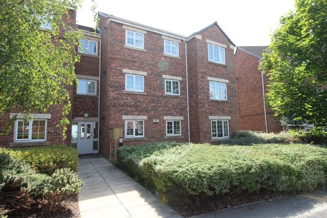 Thumbnail Flat to rent in Castle Lodge Avenue, Rothwell, Leeds