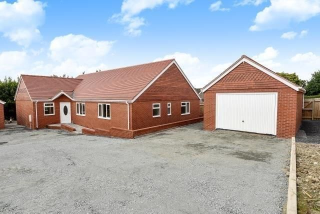 Thumbnail Detached bungalow for sale in Pentrosfa, Llandrindod Wells