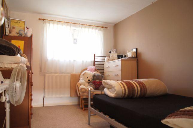 Thumbnail Studio to rent in Bridgend Road, Enfield