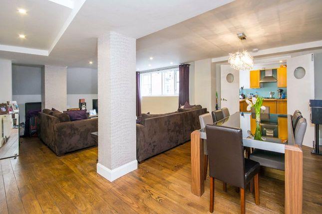 Thumbnail Flat to rent in Fairclough Street, London