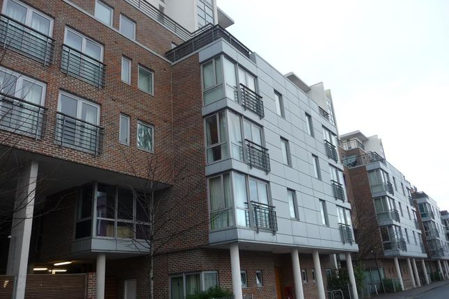 Thumbnail Flat to rent in Hamburg House, Cross Street, Portsmouth