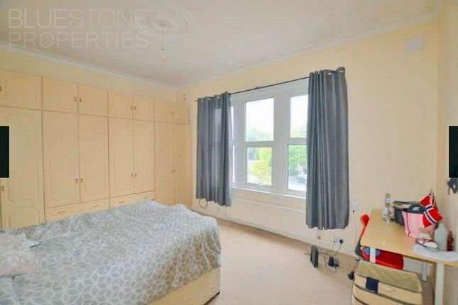 Thumbnail Flat to rent in Coombe Road, Kingston/ Norbiton
