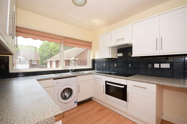 Thumbnail Flat for sale in Wingrave Crescent, Brentwood, Essex