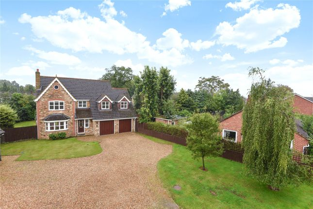 Thumbnail Detached house for sale in Lacewood Gardens, Reading, Berkshire