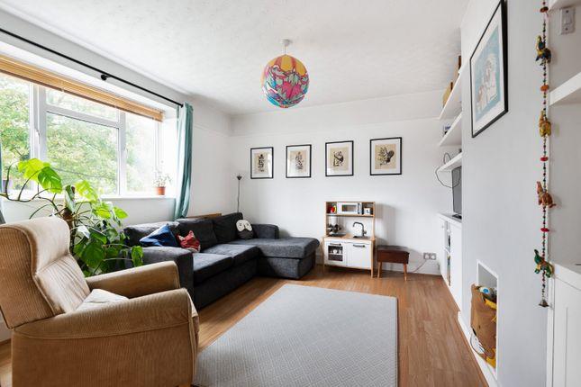 2 bed flat for sale in Kirkdale, Sydenham, London SE26