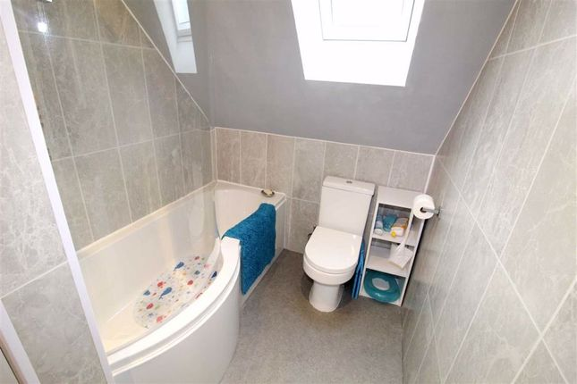Bathroom of Oakwell Drive, Salford, Salford M7