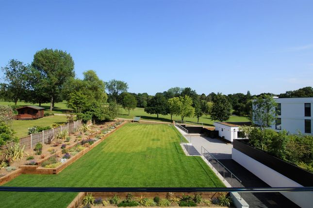 Thumbnail Flat for sale in Penthouse, Westwood House, High Road, Chigwell