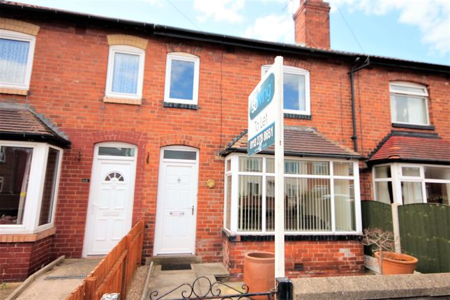 3 bed terraced house to rent in Skelton Avenue, Leeds