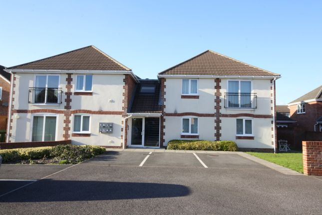Thumbnail Flat to rent in Spire Close, Fareham