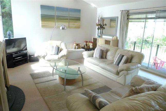 Upper Ground Floor - Lounge