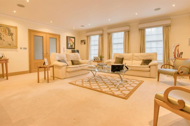 Lounge of Barham Avenue, Elstree, Borehamwood WD6