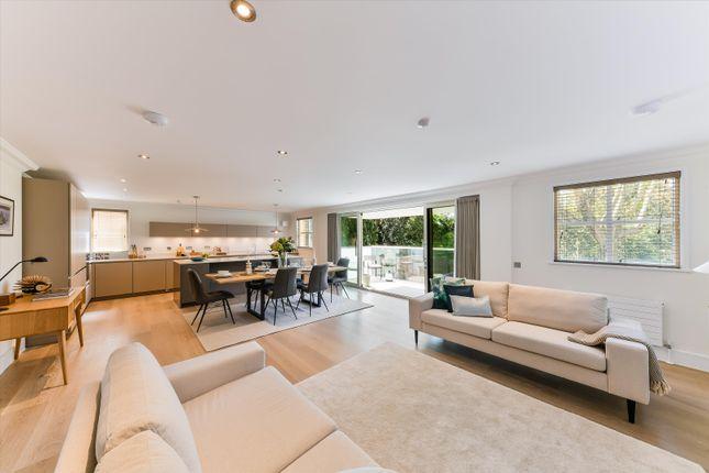 Thumbnail Flat to rent in Clifton Road, Wimbledon, London